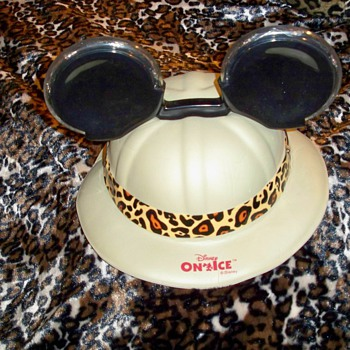 Looking For Mickey Mouse - Hats