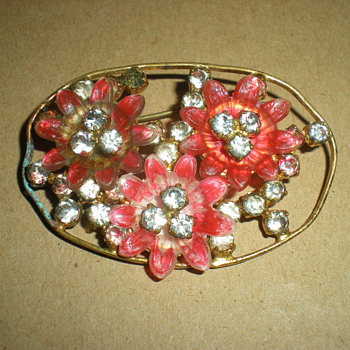 Bohemian Art Nouveau brooch with flowers.