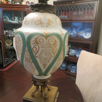 Goodwill find---Satin glass and gold gilded table lamp