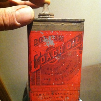 L.D.Oil mix & naptha co. / boston coach oil can