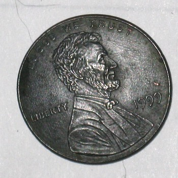 error lincoln penny 1999 dome shape - US Coins