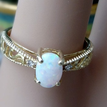 10k opal and diamond ring - Art Nouveau