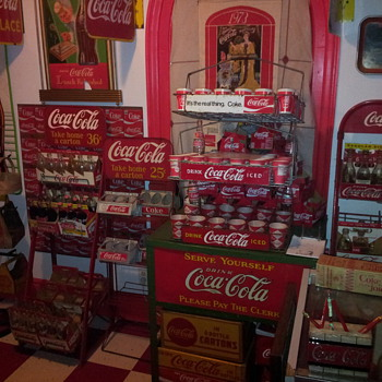 1940's Coca-Cola Display Rack & Lincoln Truck