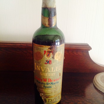 ANTIQUE LIQUOUR BOTTLE