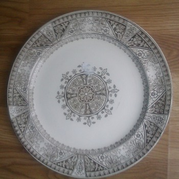 Ferrybridge Ralph Wedgewood Perhaps?? - China and Dinnerware