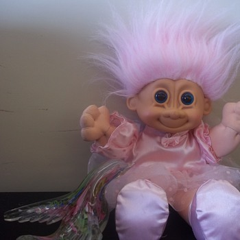 PINK TROLL??  Russ BerrieDoll, Made Like A Cabbage Patch Kid, with a Vynl? Face