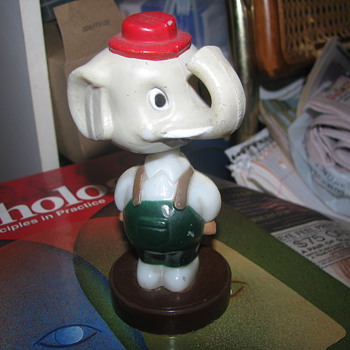 Elephant bobble head