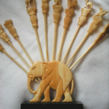 My art Deco ivory elephant cocktail stick holder - Animals