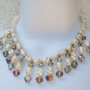FAUX PEARL AURORA BIB NECKLACE
