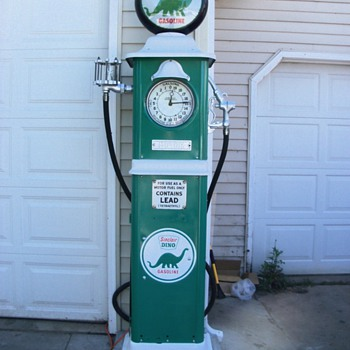 1931 Erie gas pump - Petroliana