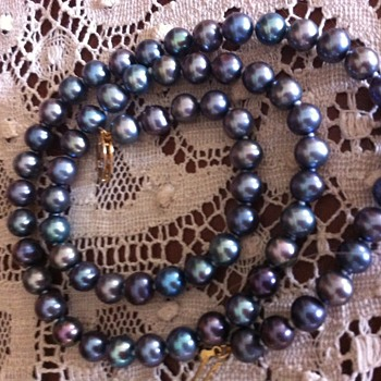 "18"" Strand of Blue/Gray Pearls"