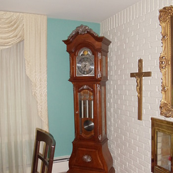 howard miller vue de paris grandfather clock