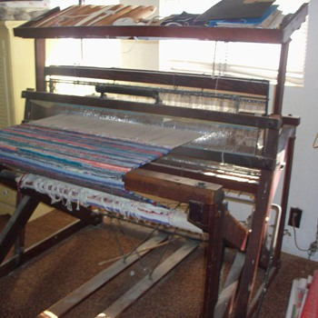 two heddle floor loom
