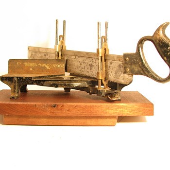 Small Cast Iron Miter Box & Saw - Tools and Hardware