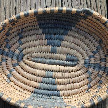 small coiled &quot;trinket&quot; basket native american S.W. - Native American