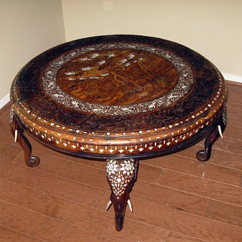 Indian ivory inlaid carved round table - Furniture