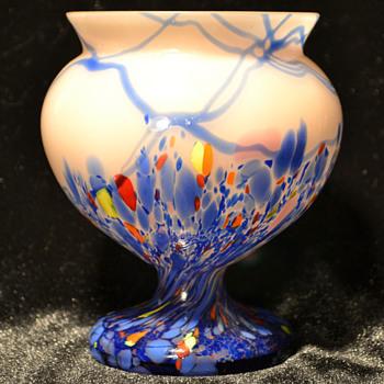 Kralik pedestal bowl