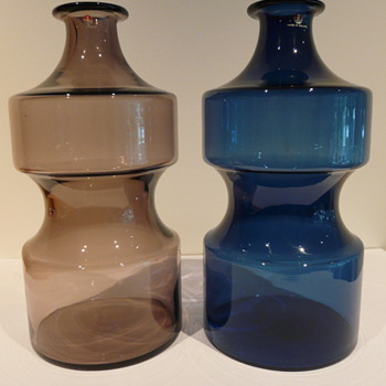 A PAIR OF 2518 TIMO SARPANEVA i-linja VASES 