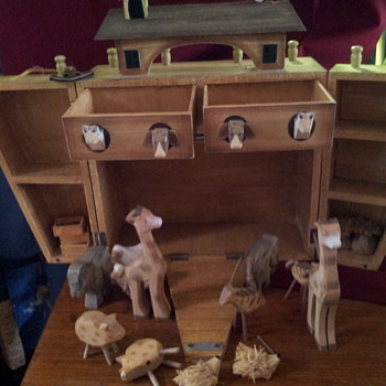 adorable wooden noahs ark  - Dolls