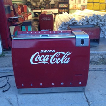 Westinghouse WE-6 Coca Cola Ice Chest