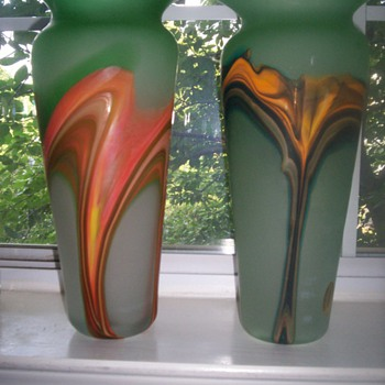 Murano Frosted Green Glass Vase w/ Swirl Color(s) design.  HOT!  Set of 2
