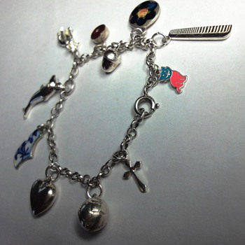 Wonderful Sterling Silver enameled Belcher Charm children bracelet - Fine Jewelry