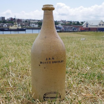 J.R.H NORTH SHIELDS STEPHEN GREEN'S POTTERY - Bottles