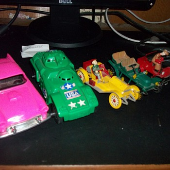 VINTAGE PLASTIC TOYS - Model Cars