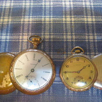 Wondering what year for both and smaller watch is Crest? Cant find Crest - Pocket Watches