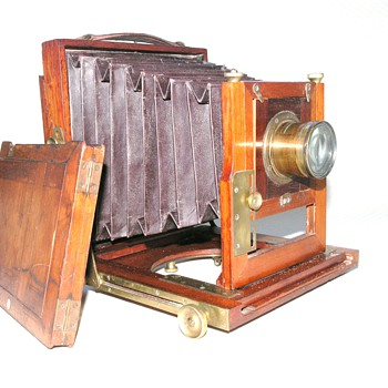 Express Photo. Company, The. | English Camera | 1906 |  Half Plate. - Cameras