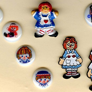 Raggedy Ann and Andy buttons