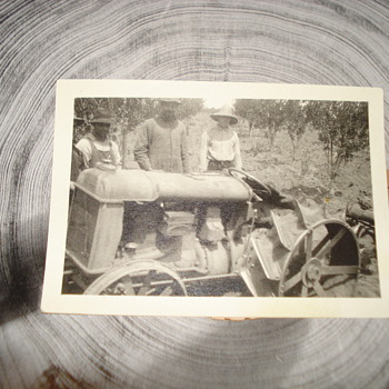 VINTAGE PHOTO OF A CULTAVADING TRACTOR - Photographs