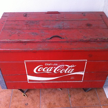 Coca-Cola Wood Cooler antique, rare and had not seen an equal