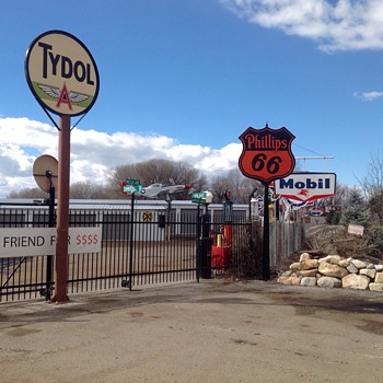 Tydol Appears at Lakeside - Petroliana