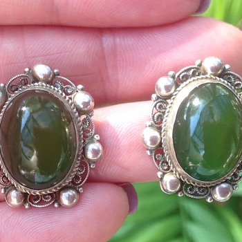 Art Nouveau/Deco Silver Chrysophrase Earring - Art Nouveau