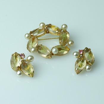 Lisner demi parure - Costume Jewelry