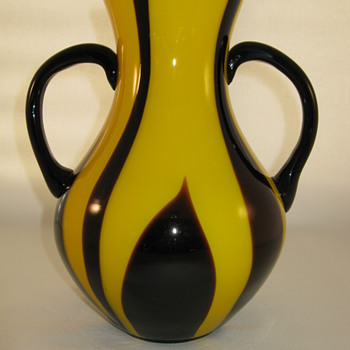 Art Deco Czechoslovakia Yellow Tango with  Amethyst Flame decor and applied  handles Kralik - Art Glass