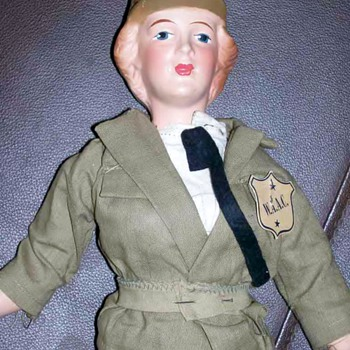 Freundlich 1940s Wac doll 15 inches all original with label