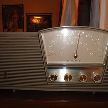 1950s radio Motorolla