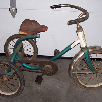 RARE 1940's WESTERN FLYER CHILD'S TRICYCLE,CHAIN DRIVEN - Sporting Goods
