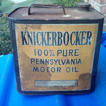 KNICKERBOCKER MOTOR OIL CAN...NEED APPROX AGE AND VALUE - Petroliana