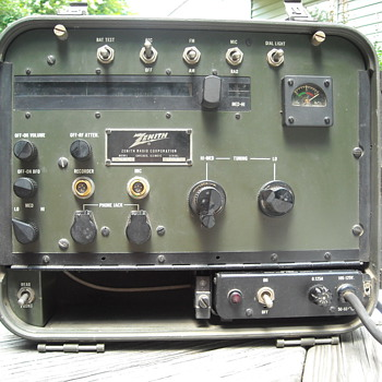 Zenith ZX-5 army transoceanic radio