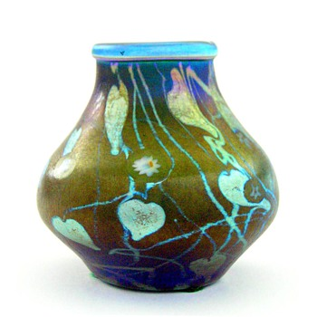 A small Tiffany vase - Art Glass