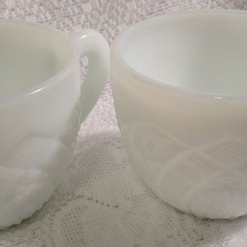 The Concord' by Thatcher Glass McKee Division c1950s. Milk glass pressed glass cups