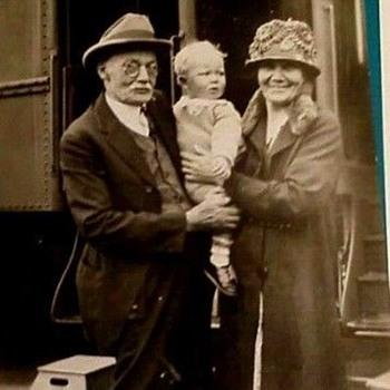 PHOTO, TRAIN TRIP, 1920? Baby & Grandparents Board a Train. - Photographs