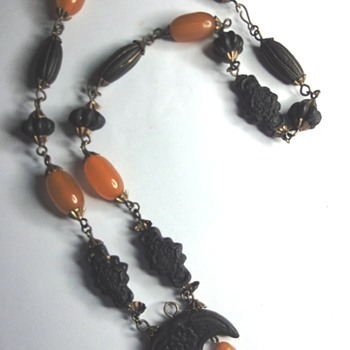 Very Rare Bakelite (Vulcanite) Necklace ? - Costume Jewelry