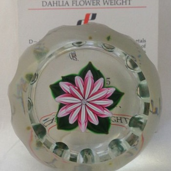 1985D Dahlia Blossom Perthshire Paperweight