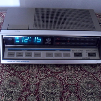 General Electric FM/AM Radio.
