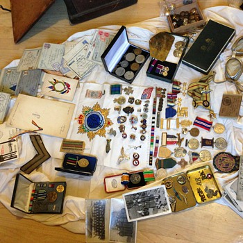 World War one and two medals postcards badges part1