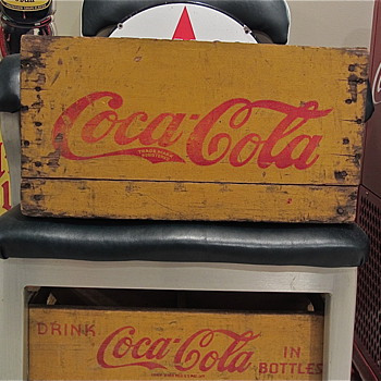 Coca Cola Trademark &quot;C&quot; crate - Coca-Cola